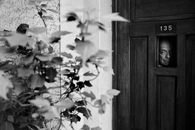 Roberto JUARROZ chez Lui. Photo: © Daniel Mordzinski.